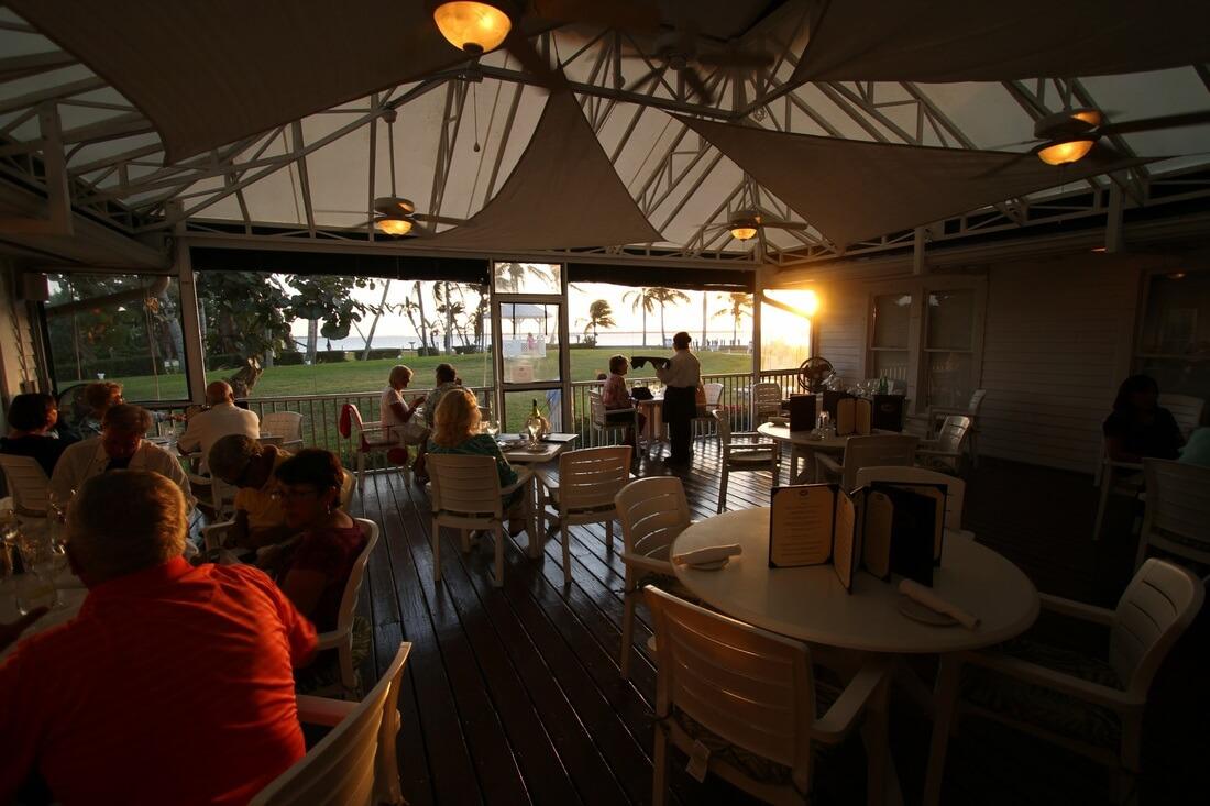 patio-dining-sunset-tarpon-lodge.jpg
